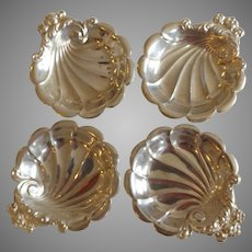 Set of 4 Antique Lunt Sterling Silver Shell Salts or Butter Pats