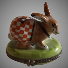 Sweet Vintage Point Main Limoges Box with Bunny Rabbit