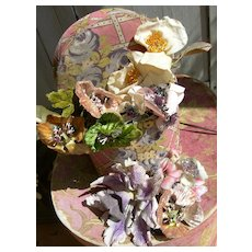 Collection 8 vintage French 1920s millinery hat flowers in boudoir box