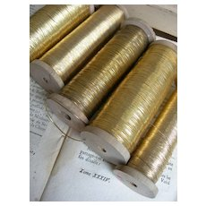 5 very large wooden reels of 19th century gold metallic embroidery thread - Belgian convent