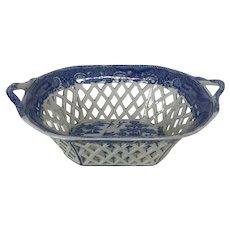 Circa 1820 English Staffordshire Creamware Chestnut Basket Blue willow Transfer