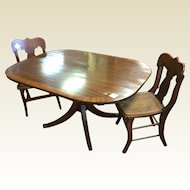 19th Century English Mahogany Banded Tilt-Top Dining Breakfast Table Duncan Phyfe Leg