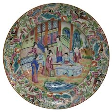 19th Century Rose Mandarin Porcelain Plate With Character Scene Decoration