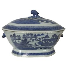 Large Antique Chinese Canton Porcelain Boar Head Handle Covered Tureen