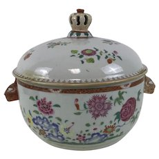 18th Century Chinese Porcelain Export Covered Tureen