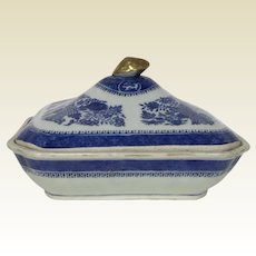 19th Century Chinese Porcelain Fitzhugh Covered Bowl