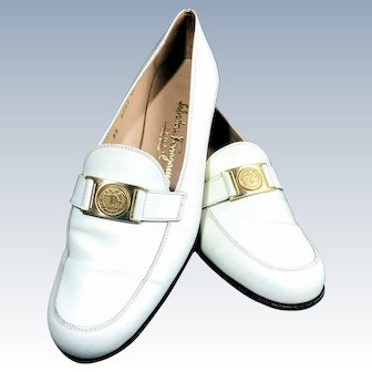 Vintage 1960s Salvatore Ferragamo White Leather Limited Edition Gold Buckle Driving Loafer Golf Shoe
