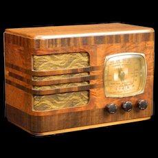 1939 Emerson AM Radio Model 52