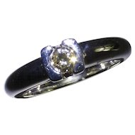 Heavy 18kt 0.26 Diamond Ring