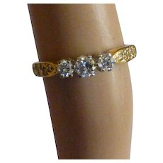 Neat 3 Stone 18k Diamond ring