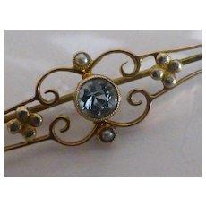 Beautiful Victorian Aquamarine Gold Pin /  Brooch