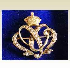 Very clever Designed Antique Brooch