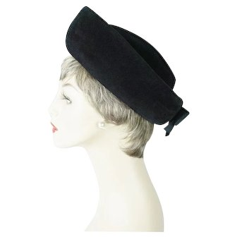 1960s Vintage Hat Black Fur Felt Italian Breton Sz 22