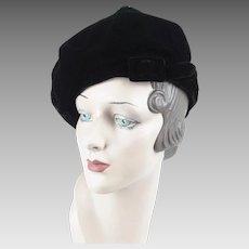 1960s Vintage Hat Black Velvet Banded Beret by Betmar Sz 21 1/2