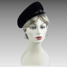 1960s Vintage Hat Black Velvet Banded Beret by Valerie Modes Sz 22 1/2