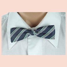 Vintage 1950s Batwing Bow Tie Bowtie Snap On Navy Blue Green and White Striped NWT in Box