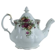 Old Country Roses by Royal Albert, Teapot with Lid, Bone China w/ 22K Gold Trim, Flat Opening