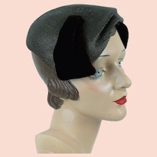 1a1c34e9672c 1950s Close Hat, Taupe and Brown Asymmetrical Straw Clip Beret, Janet, Sz  22. Alley Cats Vintage