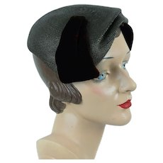 1950s Close Hat, Taupe and Brown Asymmetrical Straw Clip Beret,  Janet, Sz 22