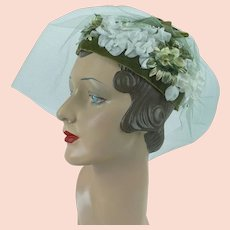 1960s Vintage Hat, Green and White Floral Toque w/ Veiling, Susan, Sz 21