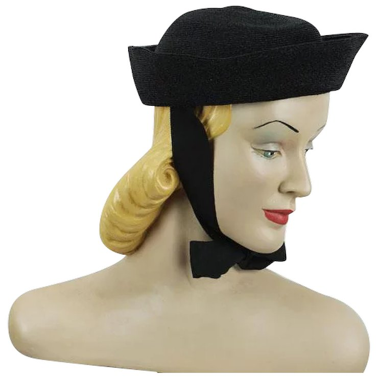 592e17f5a2d Vintage 1930s Hat Black Straw Cuff Style Beanie with Ribbon Ties NWT Sz 21
