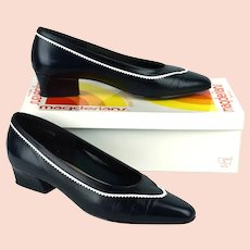 Vintage Navy Blue and White Low Heel Pumps Shoes by Magdesians, Sz 8 1/2N, Original Box