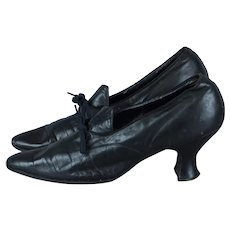 1920s Black Leather Pumps with Louis Heels and Laced Latchets, Size 6 Shoes