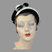 50s White and Black Straw Profile Hat, Size 21