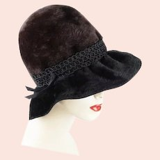 60s Jacques Heim Black and Brown Faux Fur Brimmed Cloche Hat, Size 21