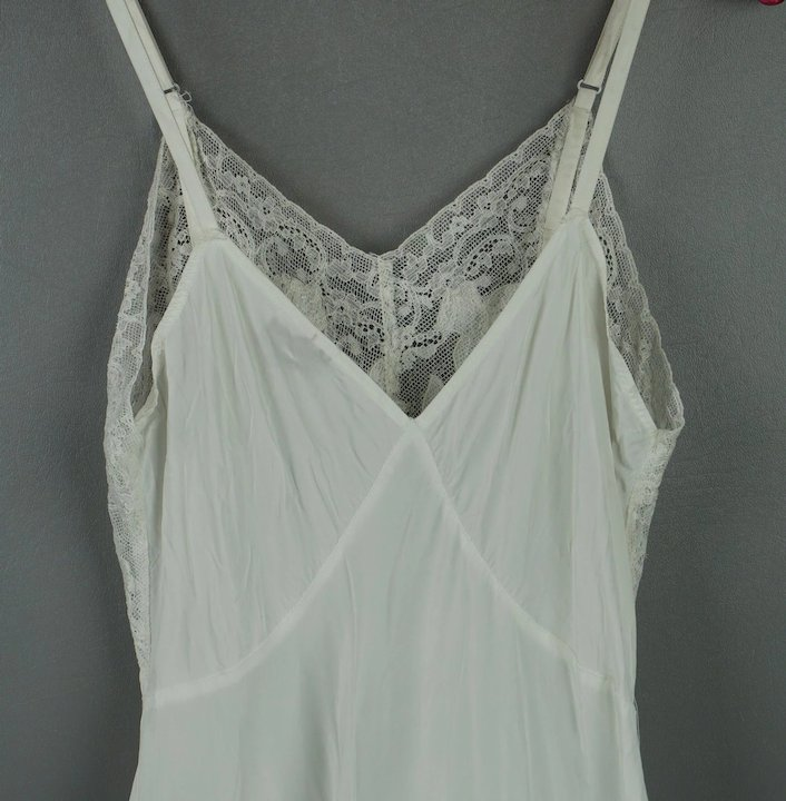 92993b51423c Vintage 40s - 50s White Rayon and Lace Slip by VenusForm Sz 32 ...