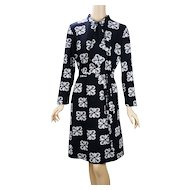 1970s Vintage Dress Black and White Abstract Shift B44 W40