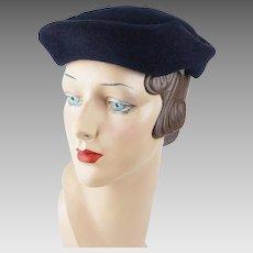 1950s Vintage Hat Navy Blue Fur Felt Sculptured Beret by Leslie James Sz 21 1/2