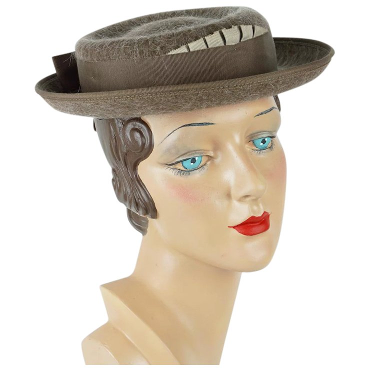 241c5b5fe96 1950s Vintage Hat Taupe Mohair Sailor Boater Sz 21   Alley Cats ...