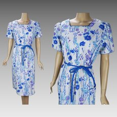 1970s Vintage Dress Blue and White Flowered Dress with Pockets by Vested Gentress, Sz 20 VOLUPE