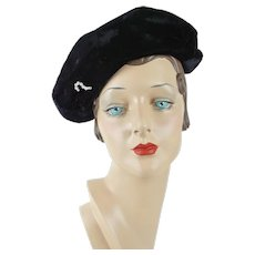 1940s Vintage Hat Black Velvet Asymmetrical Cap with Clear Rhinestone Brooch Sz 21