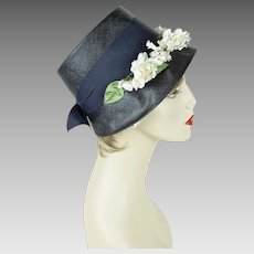 1950s Vintage Hat Navy Blue Straw Bucket Style Bonnet with Floral Wreath Sz 22