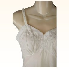 Vintage 1950s Slip Antique White Cotton Embroidered NWT New Old Stock Philmaid SZ 32 B34 W27