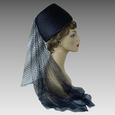 1960s Vintage Hat Veiled Straw Fez Style with Hat Box by Franklin Simone Sz 22