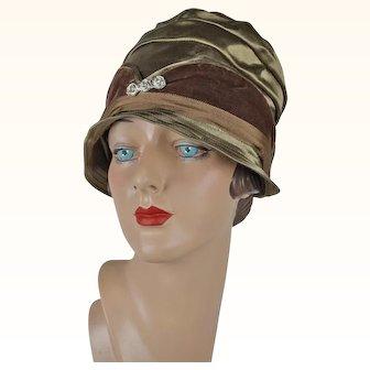 1920s Vintage Cloche Brown Velvet and Bronze Hat NOS Sz 21 1/2