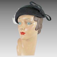 1950s Vintage Hat Black Straw Tilt Beret | Asymmetrical | Sz 22