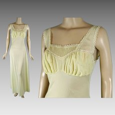 1950s Vintage Nightgown Pale Yellow Embroidered Negligee Van Raalte Myth Sz 34D B38