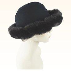 1990s Vintage Hat Black Wool Cloche with Faux Fur Trim by Betmar Sz 22 1/2
