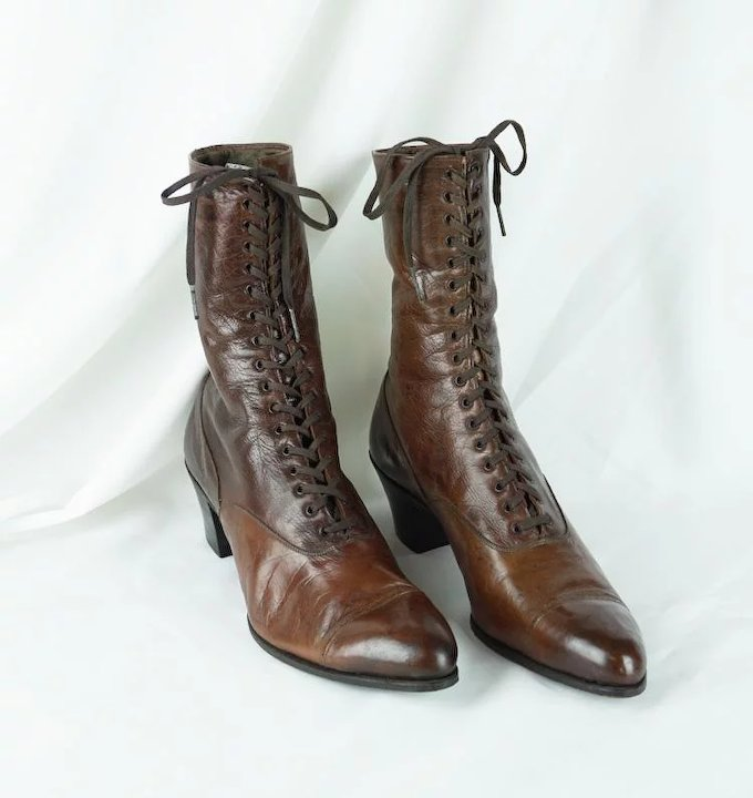 9b2c99dc1c 1900s Victorian Ladies Brown Leather Lace Up High Top Boots | Godmans