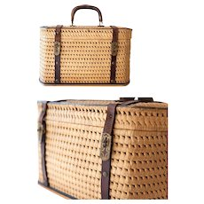 Early 1900s French Wicker / Raffia and Leather Handwoven Basket / Purse - Large Size - Provence / Country