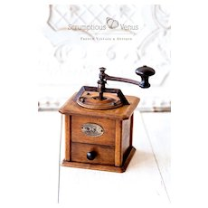Early 1930s Peugeot Frère French Coffee Grinder - Walnut wood - Modèle T a Pans - Size 1