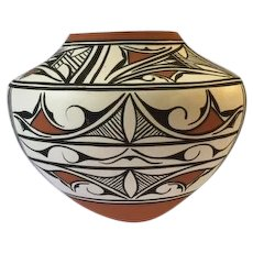Late 20th century Zuni polychrome pot, signed PP, possibly Priscilla Peynetsa