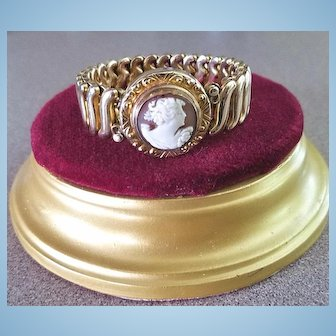 1940's Shell Cameo Gold Fill Sweetheart Expansion Bracelet