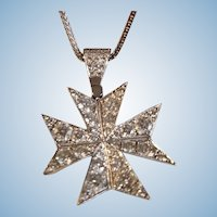 Extraordinary 18K White Gold Diamond Maltese Cross Pendant Necklace 15.7 grams