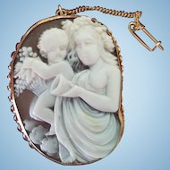 Large Signed 14K Gold Shell Bacchante Putto Cameo Brooch Pendant 11.6 grams