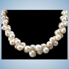 Elegant Mid Century Twinned Cultured Pearl Choker Necklace 14-1/2""